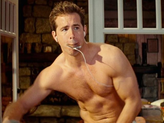"""Райан Рейнолдс. Упитанный актер взялся за работу над своим телом ради роли в фильме """"Блэйд Троица""""."""