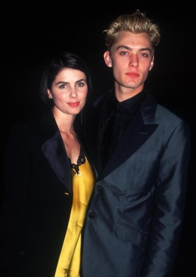 Сэди Фрост. В браке с красавчиком Джудом Лоу гораздо менее известная актриса была вполне счастлива и родила троих детей, но вскоре случилось то, что заставило ее подать на развод.
