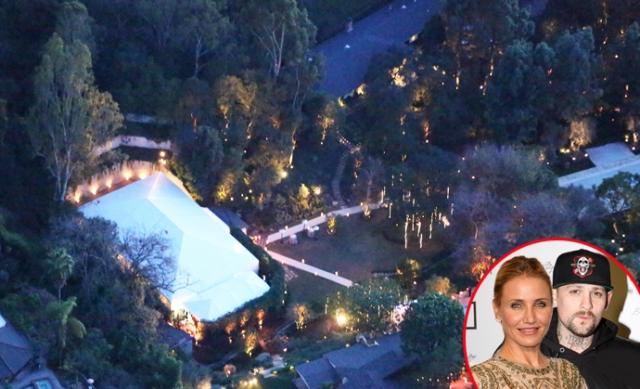 Их бракосочетание состоялось на территории особняка Диас в Лос-Анджелесе, а подружками невесты были Николь Ричи и Дрю Бэрримор.