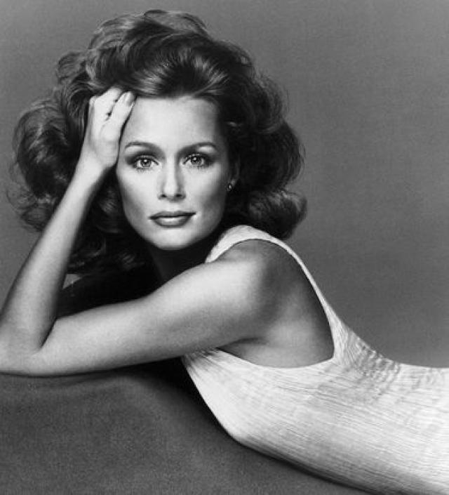 """Лорен Хаттон начала свою карьеру модели в шестидесятых с появлений в рекламе. В конечном счете она добилась больших высот в бизнесе и на пике успеха ее называли """"свежим лицом американской моды""""."""