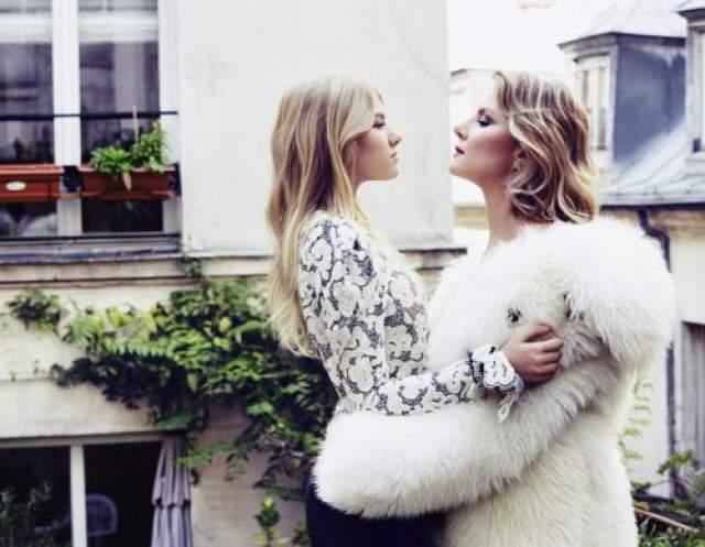 Выходы Ульяны в свет привлекают внимание прессы чуть ли не больше, чем выходы ее матери. В 2017 году девушка посетила показ российского дизайнера Ульяны Сергеенко в Париже. Фотографии говорят сами за себя.