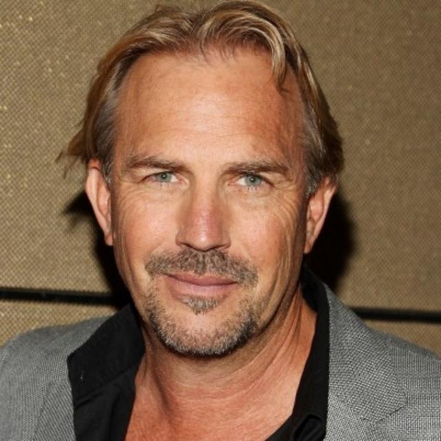 """Кевин Костнер. Если вы думаете, что актер все еще выглядит так, как выглядел в фильме """"Телохранитель"""", то ошибаетесь."""