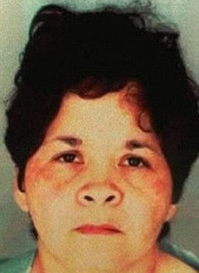 Селену убила выстрелом в живот глава ее фан-клуб Йоланда Сальдивар (на фото), уличенная в финансовых махинациях.
