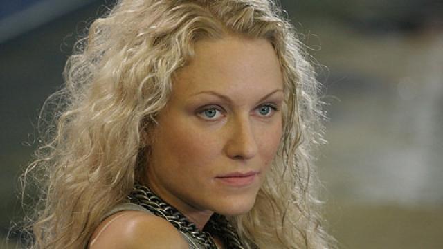 После развода Гордон работала ведущей на разных радиостанциях, потом завоевала и телевиденье.