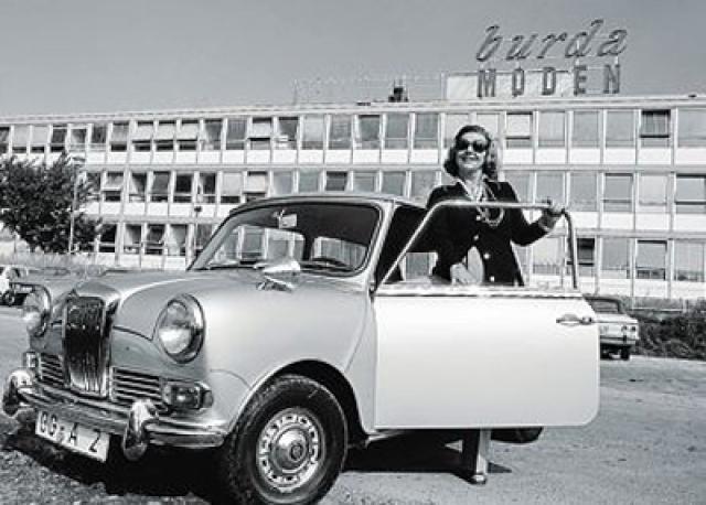 В 1949 году Энне создала издательство Burda, ориентированное на женщин, желающих в условиях послевоенной Европы выглядеть элегантно, несмотря на бедность. К 1965 году он издавался миллионным тиражом.