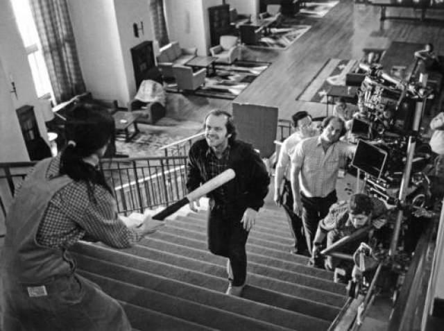 """""""Сияние"""" Стенли Кубрика. Джек Николсон, сцена на лестнице."""
