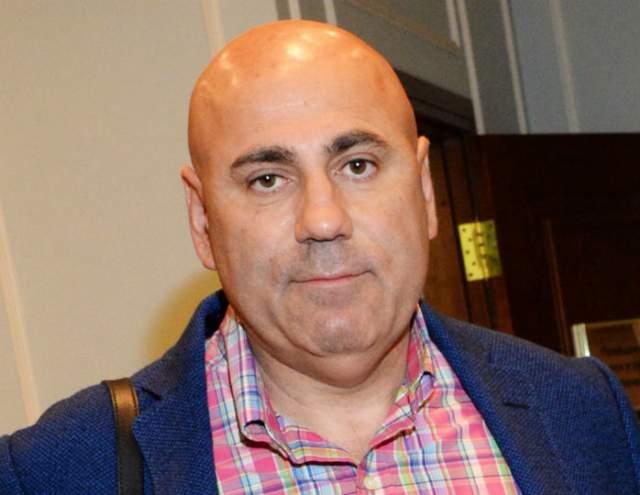 В течение длительного времени судебные заседания откладывались ввиду неявки ответчика Руссо. Суд решил присудить Пригожину компенсацию в 100 тыс. рублей.