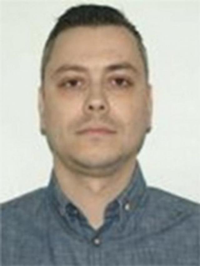 Николае Попеску. Хакер обвиняется в организации фальшивых интернет-аукционов по продаже несуществующих предметов роскоши: автомобилей, часов и других.
