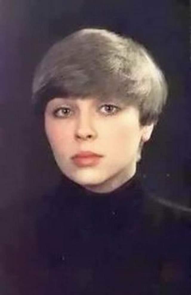 Рекордным было количество претенденток на главную женскую роль Вари Синичкиной - пробовались 12 девушек. Варей могли стать, к примеру, Ирина Азер.