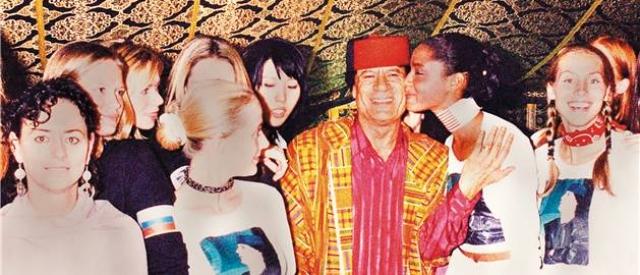 В 2002 году полковник провел в Сети международный конкурс красоты Miss Net World.
