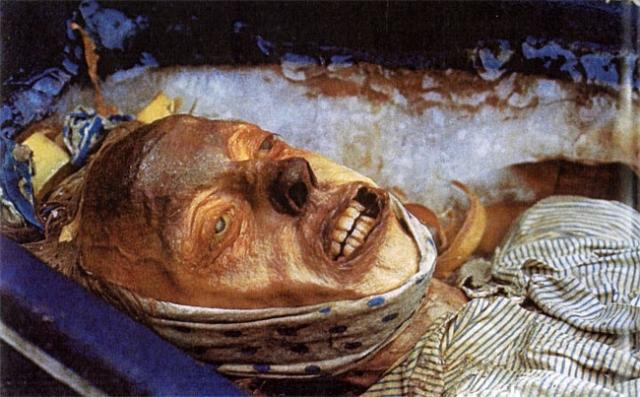 В 1850 году на острове Бичи были обнаружили могилы троих членов пропавшего экипажа, после чего поиски прекратили.