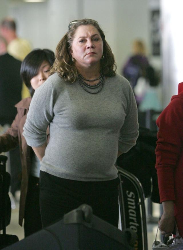 Сейчас 62-летняя актриса страдает от лишнего веса и выглядит явно хуже, чем могла бы.