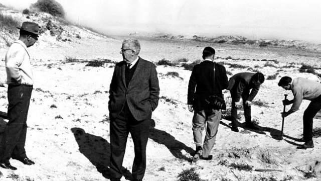 """52 года преступление остается нераскрытым. А по Южной Австралии через несколько лет после пропажи наследников Бомонт прошла волна похищений и убийств детей, подростков и молодых людей, названных """"семейными убийствами"""" в хрониках, но их не связали с резонансным происшествием 1966 года."""