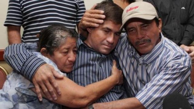 Полицейские обнаружили его и на своей лодке доставили в столицу – Маджуро.