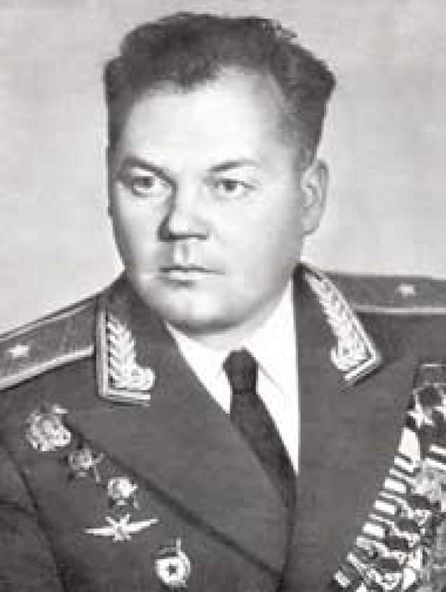 Григорий Речкалов. 1918 (1920)-1990. Дважды Герой Советского Союза. 61 личная победа.