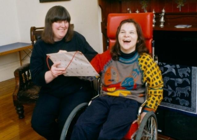 Анна Макдональд. Во время рождения девочки произошла травма, врачи диагностировали у Анны интеллектуальную неполноценность.