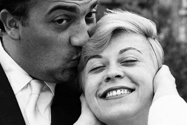 В октябре 1943 года, спустя две недели после их первой встречи, Феллини и Мазина поженились.