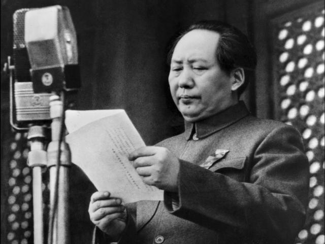 Мао Цзэ-дуна хорошо помнят в его родной деревне как поэта, имеющего хороший стиль письма.