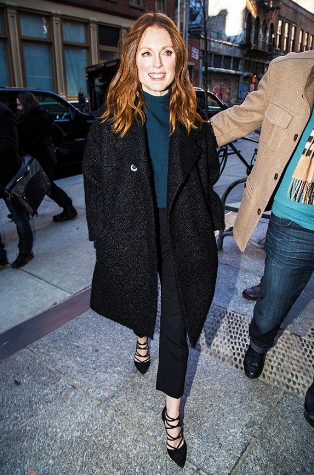 Джулианна Мур. В мае 2012 из дома актрисы в Нью-Йорке воры вынесли драгоценности на крупную сумму.