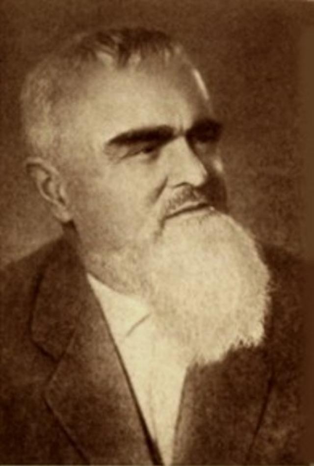 26 июля 1951 года археологическая экспедиция под руководством профессора Артемия Арциховского нашла в Новгороде первую берестяную грамоту .