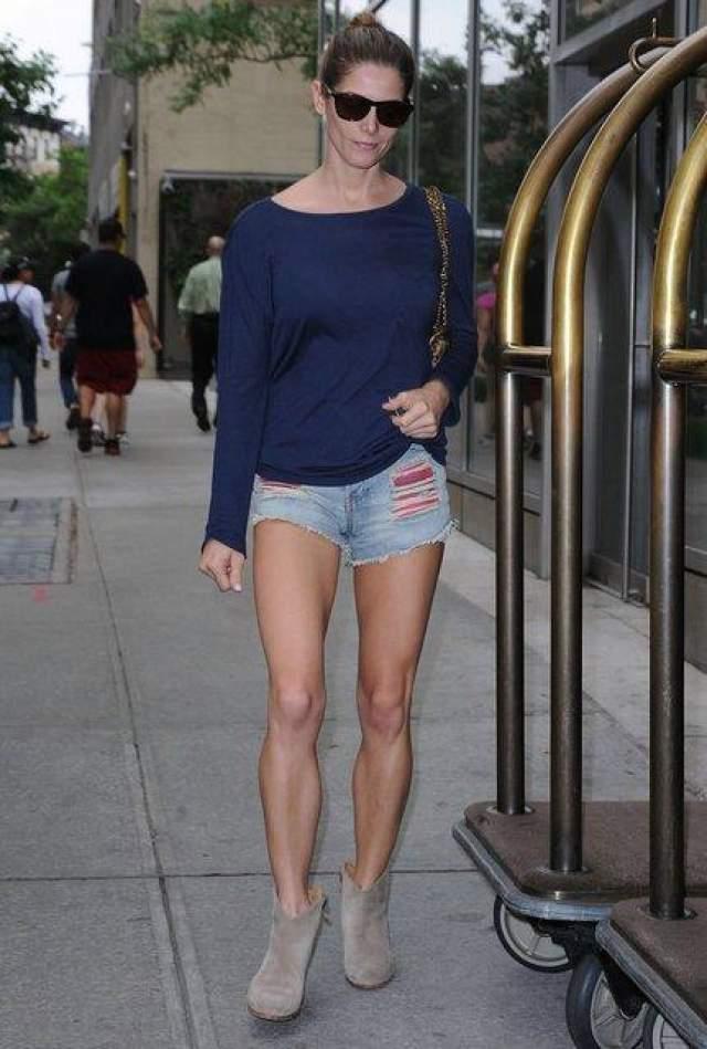 Актриса Эшли Грин замечена в Сохо, 10 июня 2014 года.