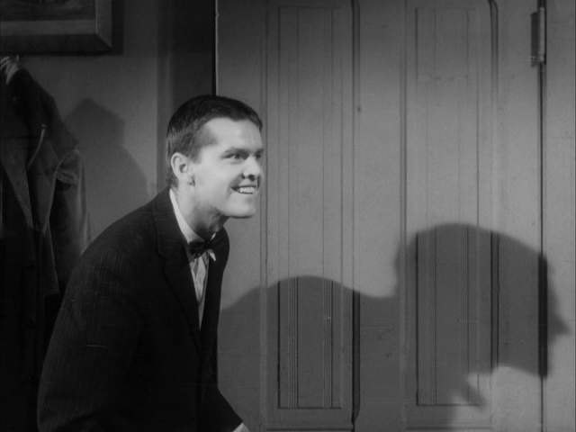 Джек Николсон начинал свою блестящую кинематографическую карьеру в сериалах. Его первым полнометражным фильмом стал «Плакса-убийца» 1958 года.
