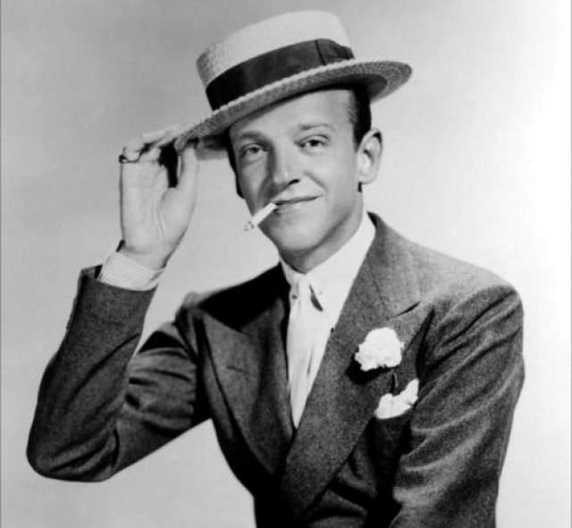 """Фред Астер По итогам первых кинопроб Фреда Актера судьи записали: """"Играть не может. Петь не может. слегка лысый. Чуть-чуть танцует"""". Астер стал самым знаменитым танцором за всю историю и навсегда вошел в сердца американских женщин."""