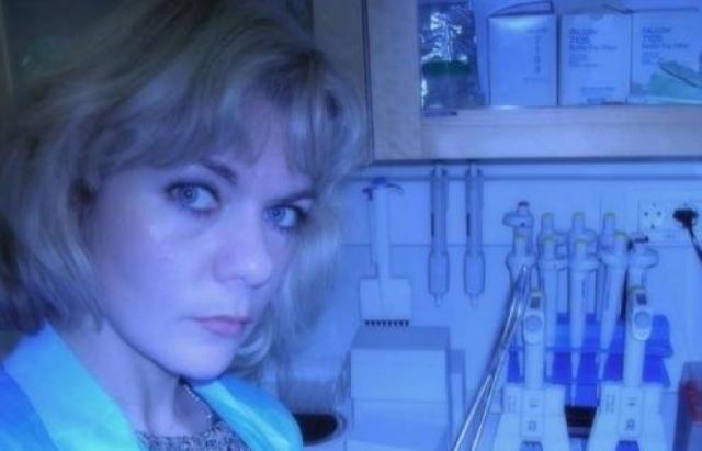 Наталья никогда не мечтала стать профессиональной актрисой. Закончив школу в 1989 году, она поступила в Московский институт тонкой химической технологии им. М. В. Ломоносова (МИТХТ) на отделение биотехнологии, который закончила в 1994 году.