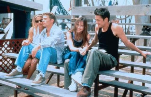 """Звезда сериала """"Баффи- истребительница вампиров"""" Сара Мишель Геллар прославилась на ТВ, но свою любовь встретила в кино. В 1997 году она вместе с Фредди Принцем-младшим снялась в хорроре """"Я знаю, что вы сделали прошлым летом""""."""
