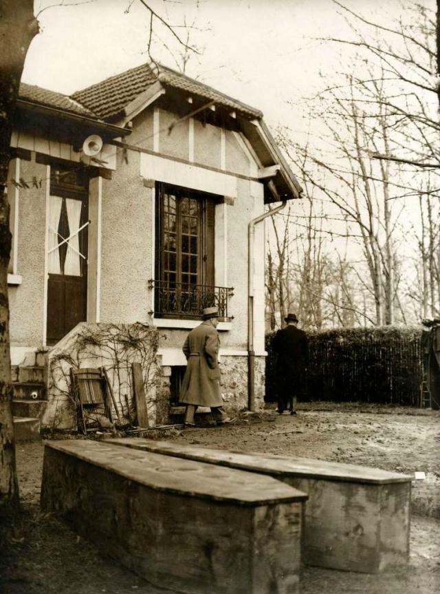 Были задержаны и его сообщники. Вейдман показал спрятанные тела. 31 декабря 1937 года Джин де Ковен была похоронена в Нью-Йорке.
