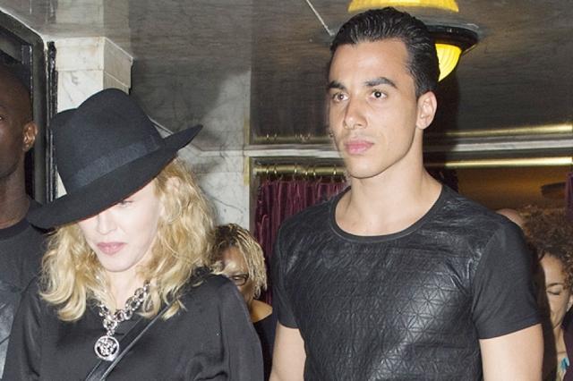 В 2014 Мадонна также встречалась с 26-летним актером и танцором Тимором Стеффенсом, отношения с которым также не продлились долго.