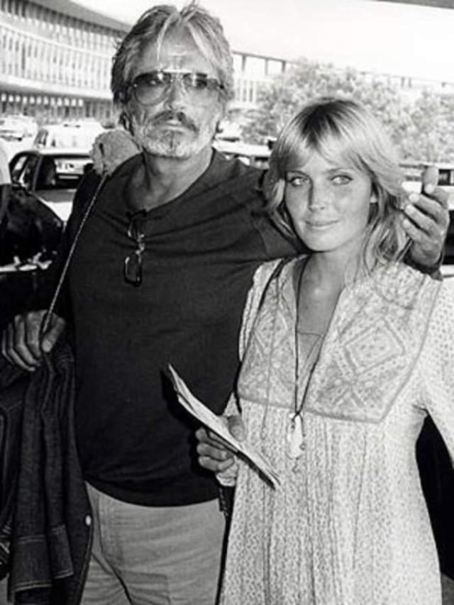Бо Дерек, 62 года. Актрисе и фотомодели было 16 лет, когда она познакомилась с голливудской звездой Джоном Дереком, который был на 30 лет старше нее. Пара жила в Европе и вернулась в Штаты после 18-летия Бо, поженились они в 1976 году. Их брак продлился 22 лет вплоть до смерти Бо в 1998 году.