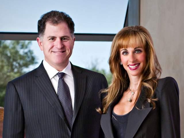Майкл Делл Сьюзан, жена Майкла Делла, основателя и генерального директора компании Dell Computers ($18,6 млрд), покорила миллиардера с первого взгляда - пара встретилась, когда бойкая блондинка с внешностью модели была агентом по недвижимости и предлагала бизнесмену объект для покупки.