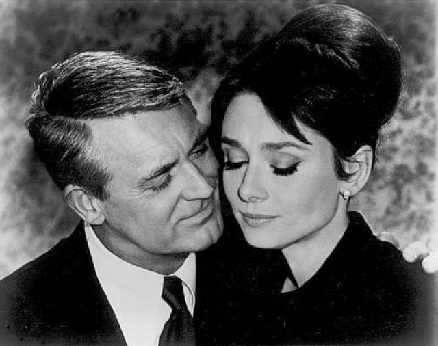"""Кэри Грант любил баловать ее, и однажды сказал: """"Все, чего я бы хотел в подарок на Рождество, - это сняться еще в одном фильме с Одри Хепберн""""."""