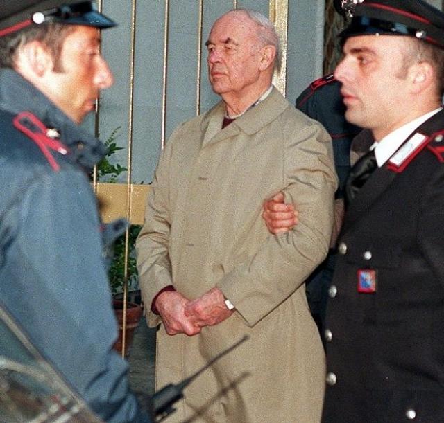 Судебные тяжбы в отношении бывшего офицера СС длились много лет. Прибке содержался под домашним арестом и даже хотел добиться экстрадиции в Германию, но получил отказ.