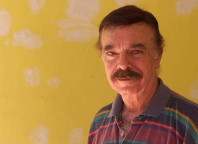 """Уже в 2004-ом ди Фалко вновь вернулся к """"Изауре"""", сыграв в ремейке роль отца своего героя, командора Алмейды. Эта роль стала для него последней, к сожалению, он скончался в 2008 году от сердечной недостаточности. Актеру было 76 лет."""