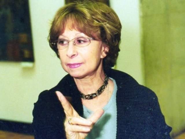 Лия Ахеджакова, 79 лет. Была замужем трижды, но детей так и не появилось, хотя свою последнюю любовь она встретила в очень зрелом возрасте.
