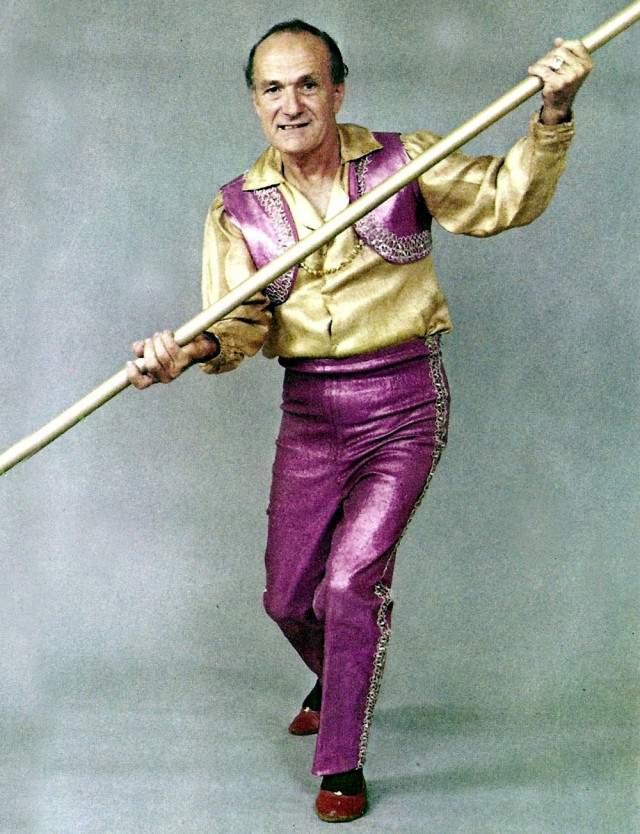Карл Валленда, 1905-1978. Знаменитый цирковой трюкач и канатоходец из Германии, прославившийся безрассудностью своих номеров, большую часть собственных трюков выполнял без страховки.