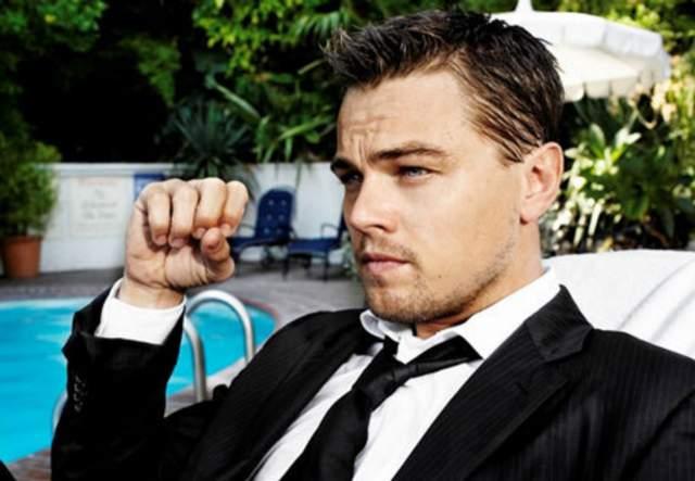Леонардо ДиКаприо, 43 года. Как и большинство красавцев из нашего списка, Лео ни разу не был женат. Может, бережет свою розу для той самой?