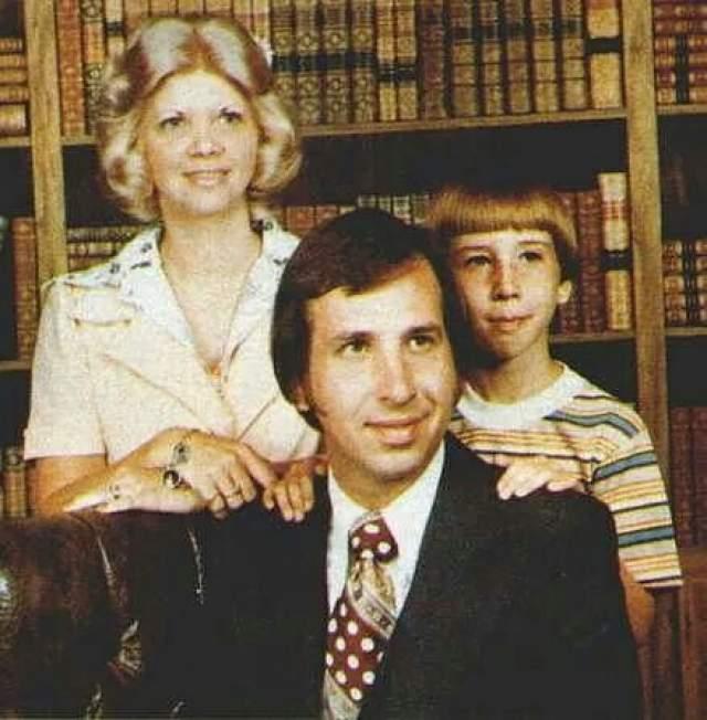 Маленький Мэрилин Мэнсон с мамой и папой.