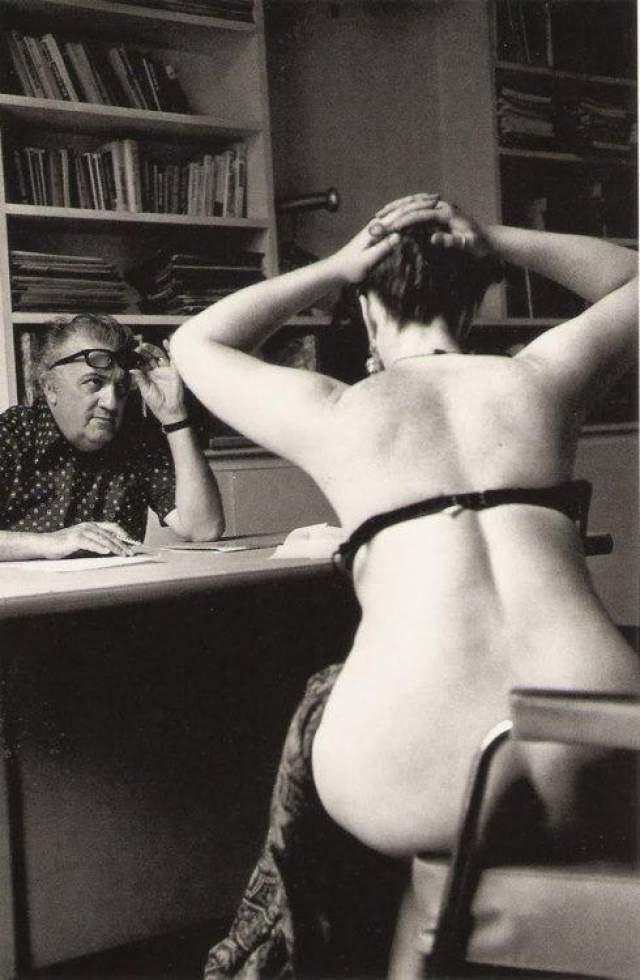 Фредерик Феллини тоже за работой. Кастинг к фильму. Париж, 1975 год