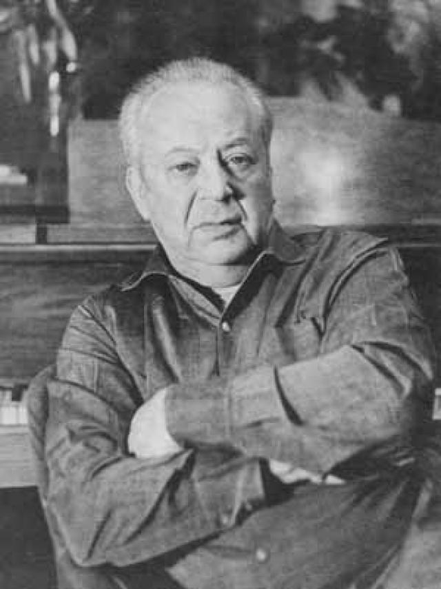 История основана практически на реальных событиях: в начале 60-х композитор Никита Богословский в канун Нового Года надумал разыграть подвыпившего товарища и отвезти его на вокзал.