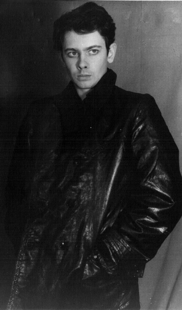 В 1959 году Александр Демьяненко был приглашен в Московский академический театр имени Владимира Маяковского, где он проработал три года, но актера все больше затягивало кино.