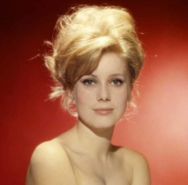 Катрин Денев, 75 лет. Французская актриса и певица сделала нелегальный аборт в 1967 году.