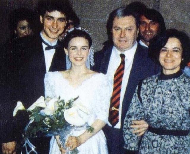 Свадьба фигуристов Екатерины Гордеевой и Сергея Гринькова . Жизнь спортсмена оборвалась трагически , когда ему было всего 28 лет.