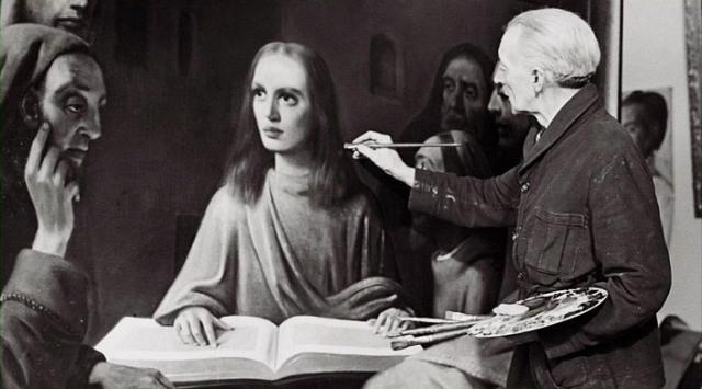 """В 1943 году Ван Меегерен продал неравнодушному к искусству нацистскому рейхсмаршалу Герману Герингу свою новую работу """"Христос и судьи"""", выдавая ее за Вермеера. За эту картину он запросил 1 600 000 гульденов. На тот момент это была чуть ли не рекордная сумма, уплаченная за произведение кого-либо из старых мастеров."""