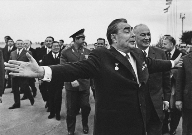 """Там у ДМКД давно стоял памятник Ленину, и вскоре в народе эта аллея получила название """"От Ильича до Ильича""""."""