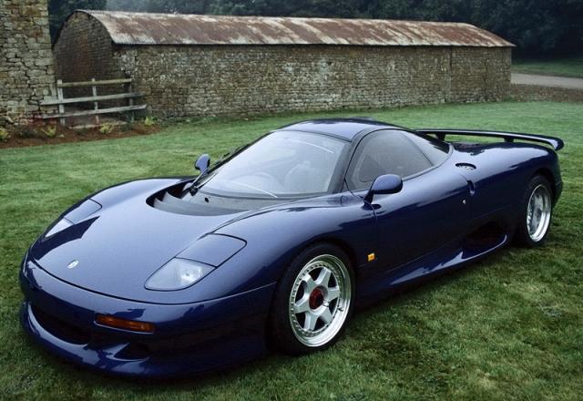 Jaguar XJR-15 - $2 000 000. В начале 90-ых, 20 богатых людей купили его, чтобы участвовать в серии гонок, где победитель, получал такой же автомобиль в качестве приза.