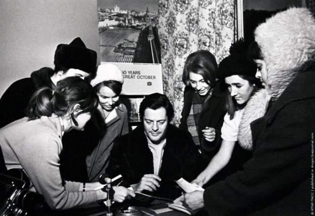 1968 год, любимец всех женщин мира, Марчелло Мастроянни, прибыл в Москву.