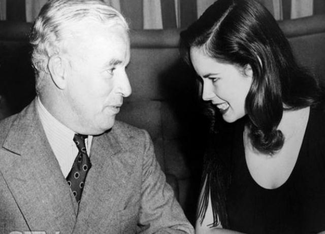 Постаревший комик выглядел вот так, но даже в таком возрасте он смог очаровать юную красавицу. Ему было 54 года, когда он женился на Уне О'Нилл , ей было 18.